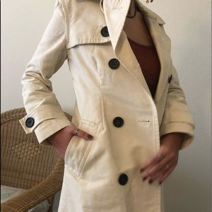Gap long trench coat in great condition vintage